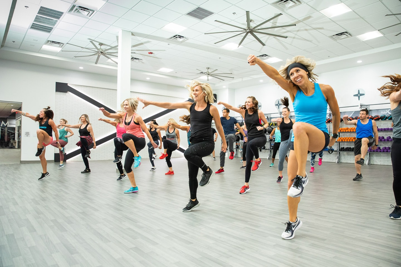 Mountainside Fitness aerobics class