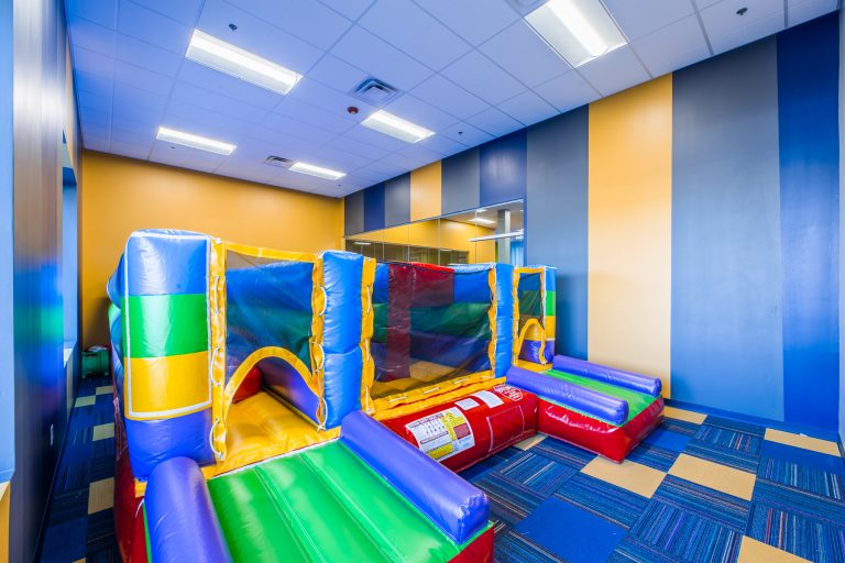 Mkids Bounce House